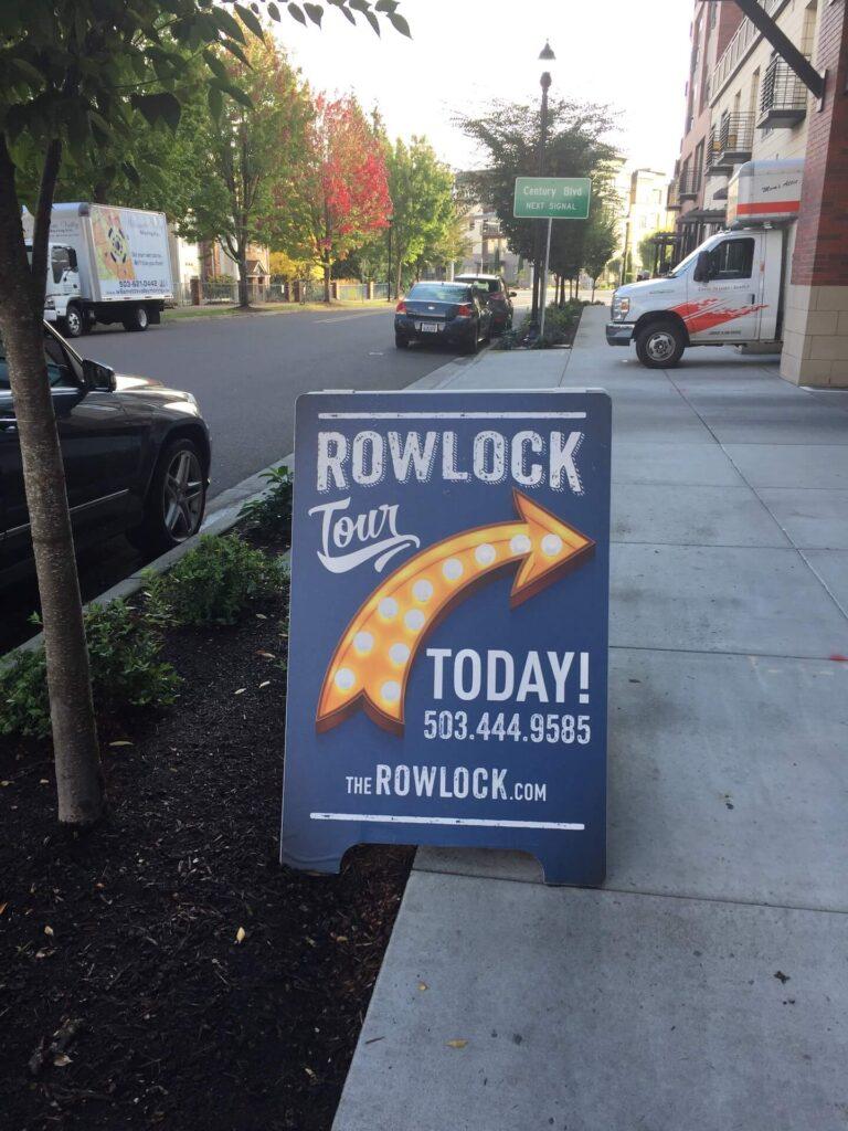 A Board Rowlock
